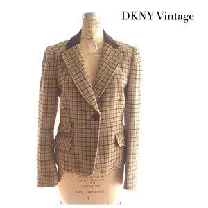 DKNY Plaid Blazer with velvet collar, 90s like new